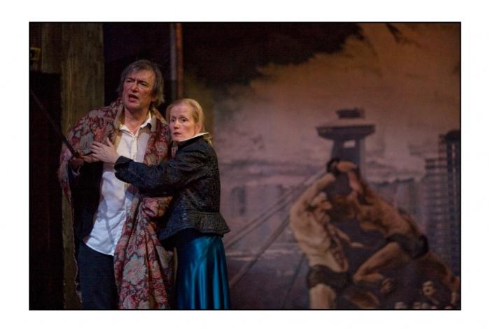 <i>Hamlet</i> prince de guerre… Noces de sang…